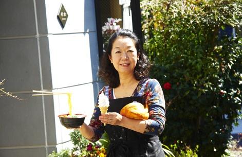 Un bon cornet de crème glacée en... silicone! Miam miam! Ou un poulet en PVC? Voilà une technique très répandue pour accroître les ventes dans les restaurants japonais : celle de présenter des échantillons de plats plus vrais que nature.