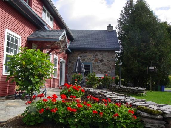 Superbe maison pierre ferme 148 acres la terre de chez nous - Entrepot super ferme ...