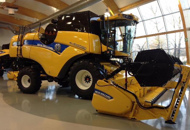Le plus gros modèle offert actuellement par New Holland, la CR 10.90. Crédit photo : Martin Ménard