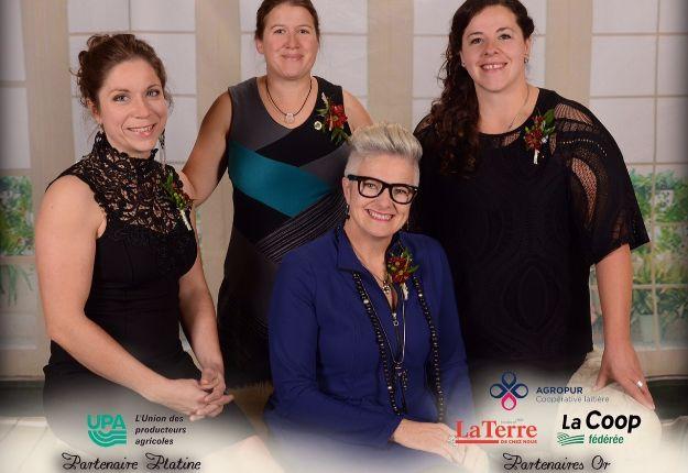 De gauche à droite : Marie-Chantal Houde, Karine Lamy, Marie-Ève Morin et Brigitte Pigeon. Crédit photo : Annick Malenfant