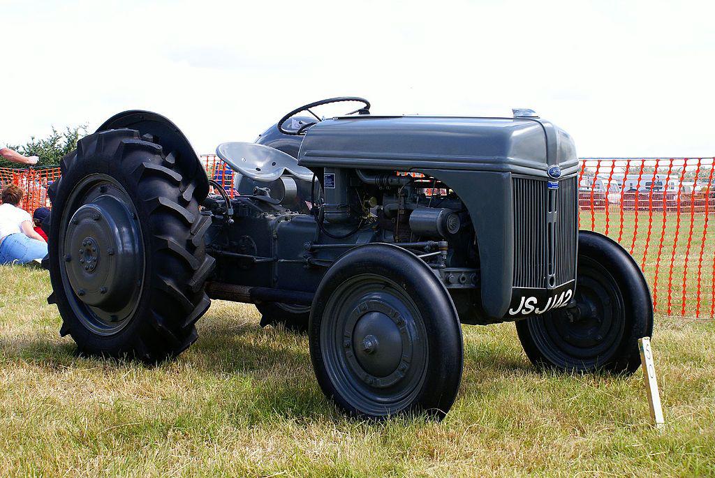 Ford Ferguson Tractor : Au fil du temps tracteurs compacts et intermédiaires
