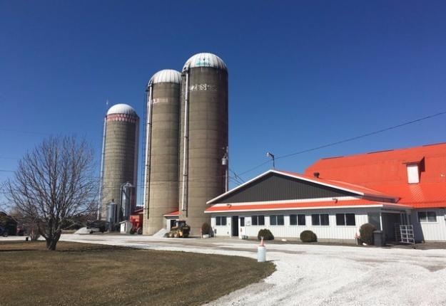 À Saint-Alexandre, en Montérégie, un producteur laitier demande présentement 8 M$ pour son entreprise. Crédit photo : Gracieuseté