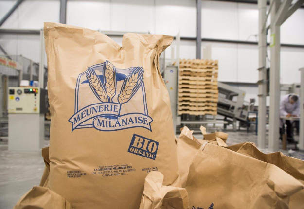 La Meunerie Milanaise mise maintenant sur une toute nouvelle usine qui lui permet de produire 500 tonnes de farines biologiques par… jour! Crédit photo : Martin Ménard / TCN