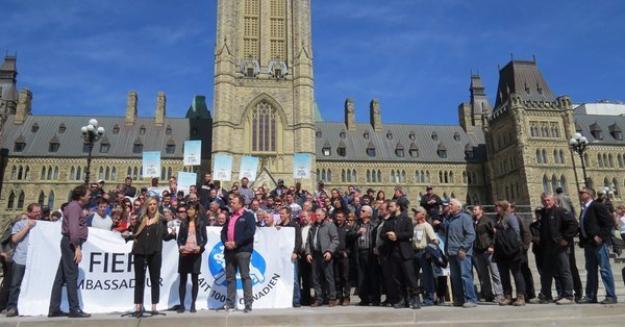 Ruth Ellen Brosseau, lors du dépôt de la motion à Ottawa, le 21 avril dernier. Crédit photo : NPD