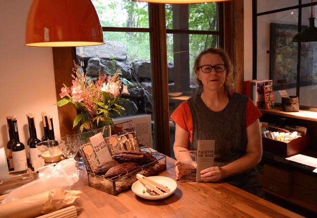 Les fèves de cacao qui ont permis à Christine Blais de remporter ce prix proviennent de Bolivie, et le sucre d'érable, de Saint-Julien dans les Appalaches. Crédit photo : Myriam Laplante El Haïli/TCN