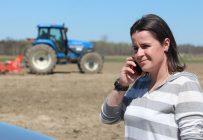 La travailleuse de rang Meg Delisle a visité 230 fermes des Laurentides dans la dernière année, sans compter celles où elle était retournée pour faire un suivi. Crédit photo : Archives/TCN