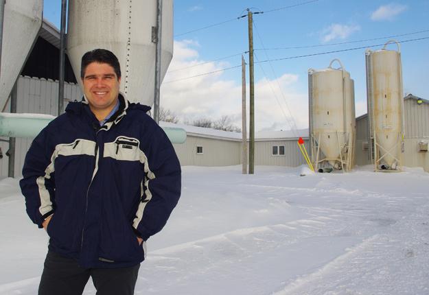 D'ici son départ en juin, le président des Éleveurs de porcs du Québec, David Boissonneault, est « motivé au maximum » à faire progresser les dossiers de son organisation. Crédit photo : Ariane Desrochers/TCN
