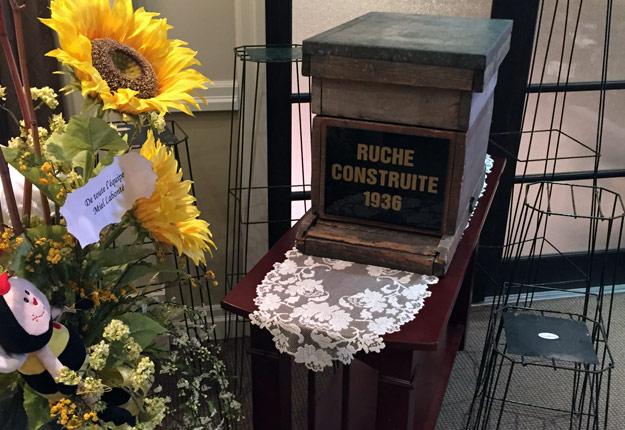 Une des premières ruches de Rolland Labonté, fondateur de Miel Labonté. Photo gracieuseté de Jean-Marc Labonté