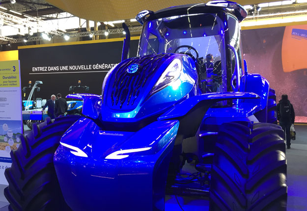 Avec ses lignes futuristes et sa cabine épurée, le tracteur concept de New Holland au méthane est d'abord et avant tout un exercice de style. Photo : Vincent Cauchy/TCN