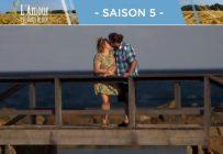 C'est le moment que nous attendions tous. Profitant du décor paradisiaque et de l'ambiance romantique, Gabriel a embrassé Clara et serait même beaucoup plus affectueux hors caméra. Tiens donc! Crédit photo: Vtélé