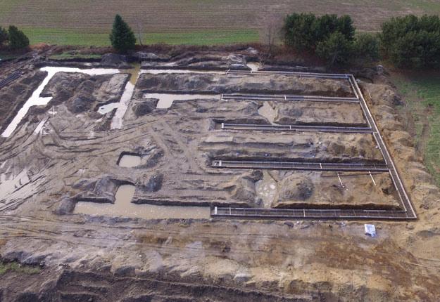 Les fondations du futur campus d'agriculture biologique sont construites depuis près de trois mois à Victoriaville. La poursuite des travaux dépend maintenant de la décision du gouvernement. Crédit photo: Gracieuseté du CETAB+
