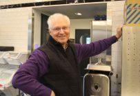 La ferme expérimentale d'André Desmarais compte aussi une cuisine laboratoire. On y expérimente différentes technologies de transformation des aliments, comme la congélation ultrarapide à - 48 °C. Crédit photos : Thierry Larivière/TCN