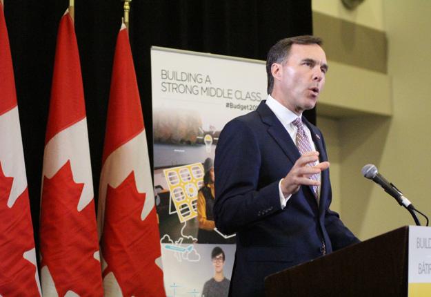 Le ministre des Finances du Canada, Bill Morneau, a de nouveau insisté sur l'importance de redonner confiance à la classe moyenne. Crédit photo : Thierry Larivière/TCN