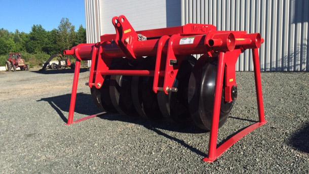 L'Agence mécanique Courtney, située à Saint-Odilon dans la région de Chaudière-Appalaches, distribue sept modèles de rouleaux compacteurs.  Crédit photo : Agence mécanique Courtney