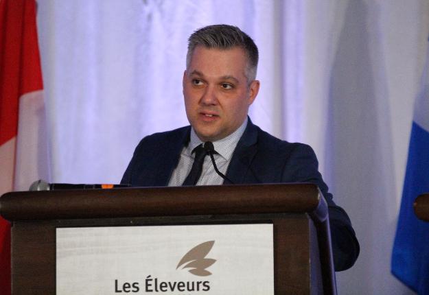 Pierre-Luc Leblanc, président des EVQ, estime que la fin de la gestion de l'offre n'est pas une garantie de plus bas prix pour les consommateurs canadiens. Crédit photo : Thierry Larivière