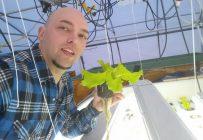 Le responsable du projet d'aquaponie de l'École des pêches et de l'aquaculture du Québec, Tony Grenier. Crédit photo : Gracieuseté de Tony Grenier