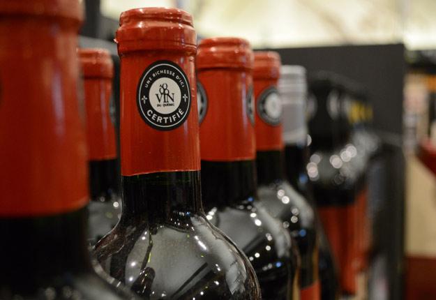 En adoptant une forme de collaboration pour la distribution de leurs vins, les viticulteurs québécois pourraient augmenter leurs parts de marché. Crédit photo : Archives/TCN