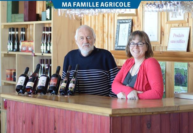 Le fondateur de l'entreprise familiale, Jacques McIsaac, compte passer les rênes du Ricaneux prochainement à sa fille Nathalie. Crédit photos : Myriam Laplante El Haïli/TCN