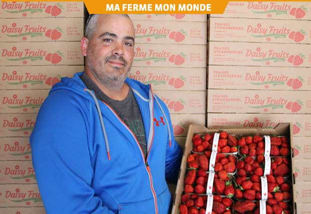 Le producteur David Côté croit que le développement de son entreprise passe par une meilleure gestion du personnel. Photo : Charles Prémont