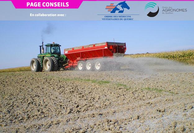 L'épandage de matières résiduelles fertilisantes, telles que les biosolides papetiers de désencrage, permet d'économiser sur les intrants tout en augmentant sa productivité. Crédit photo : OAQ