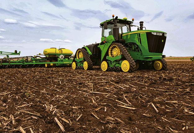 Les tracteurs articulés ont fait leur apparition dans les années1970 au Québec, lorsque les fermes ont commencé à prendre de l'expansion. Crédit photo : John Deere