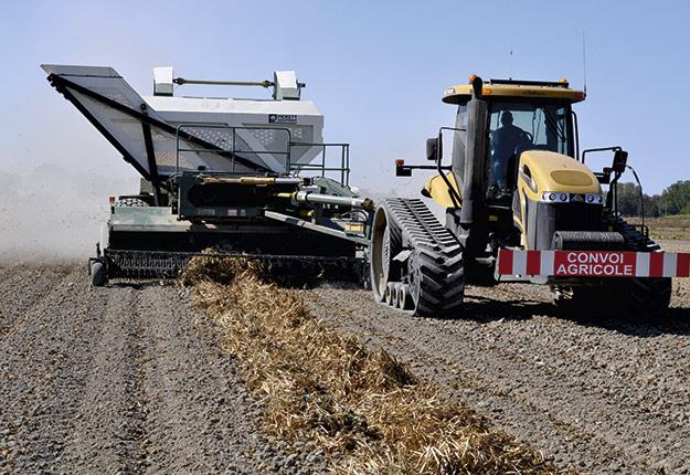 Les champs de chaque ferme présentent habituellement différents types de sol. Les essais doivent en tenir compte. Crédit photo: Marc-Alain Soucy