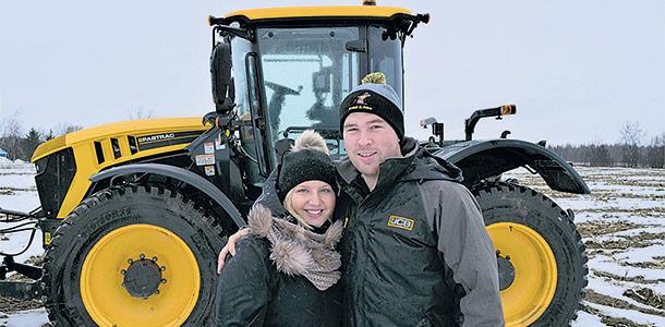 «On voulait un mariage champêtre qui reflète notre passion pour le monde agricole». – Judith Bossé. Crédit photo : David Riendeau