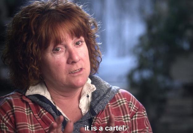 Dans L'affaire du sirop d'érable, Angèle Grenier qualifie la Fédération des producteurs acéricoles du Québec de « régime communiste », de « mafia », de « cartel » et de « régime de terreur ». Crédit photo : Netflix