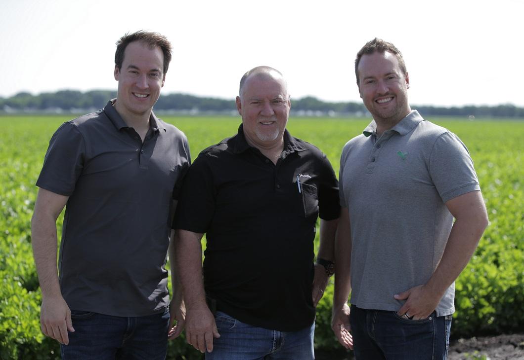 De gauche à droite : Steven Daigneault, vice-président aux ventes et opérations, François Daigneault, président, et Marc-Olivier Daigneault, vice-président aux ventes et développement chez Jardins FMS.