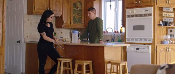 Comme l'a bien résumé Alexandra, c'est l'amitié qui est dans le pré entre elle et Simon. Pas de grand amour pour eux.