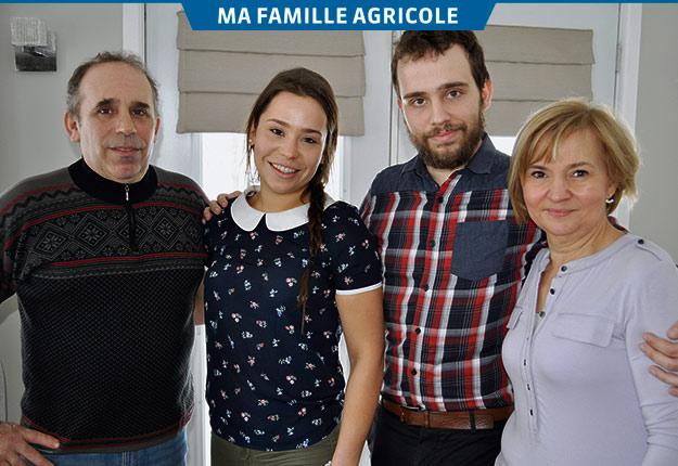 Audrey et Raphaël, entourés de leurs parents, Guy Drouin et Anne-Marie Beaumont. Crédit photos: Johanne Martin