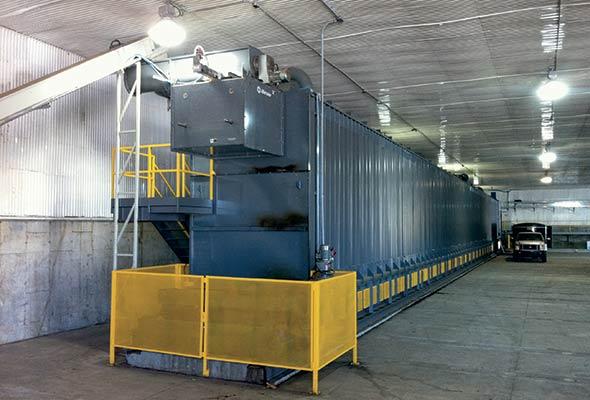 Les déchets sont mis dans le bioréacteur SHOCMD, qui peut sécher les résidus organiques en présence des ordures.