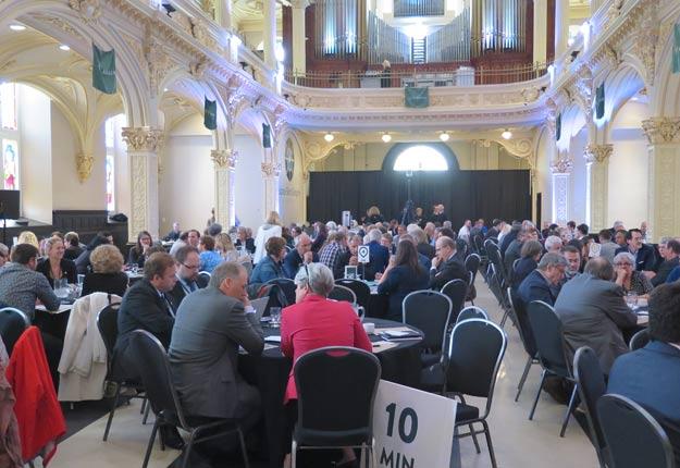 De nombreuses personnes se sont rassemblées à Québec pour que les dirigeants agissent en faveur des villages en perte de vitalité. Crédit photo : Véronique Demers