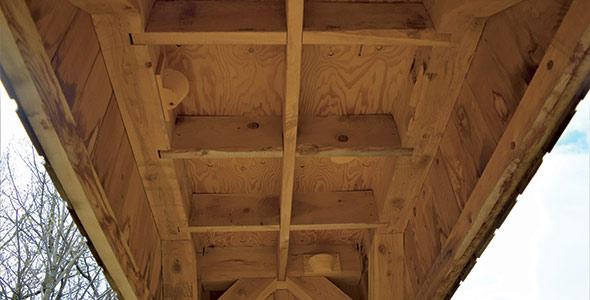 Voici à quoi ressemble l'intérieur de la structure de nidification construite par QuébecOiseaux. Elle permet l'arrivée d'un minimum de huit couples.