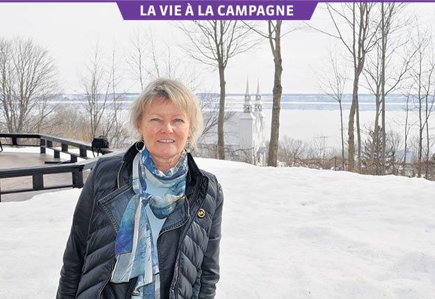 Toujours extraordinaire, le fleuve a motivé le choix de l'artiste peintre Gisèle Boulianne de vivre à Cap-Santé. Crédit photo : Johanne Martin