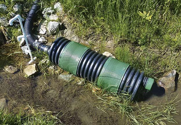 BlueLeaf est sur le point de commercialiser un dispositif permettant de retenir 60 % du phosphore contenu dans l'eau qui s'échappe d'un drain agricole. Crédit photo : BlueLeaf