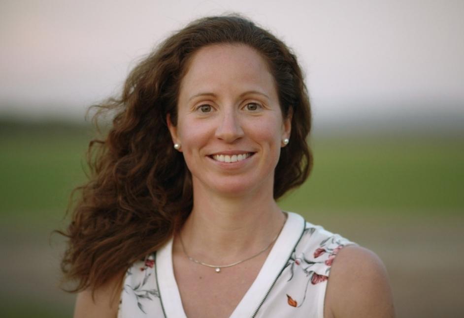 Seule femme faisant partie des finalistes en vue de la septième saison, Kathleen est actionnaire d'une entreprise familiale de Victoriaville reconnue à l'international pour la génétique de ses animaux. Photo : Vtélé