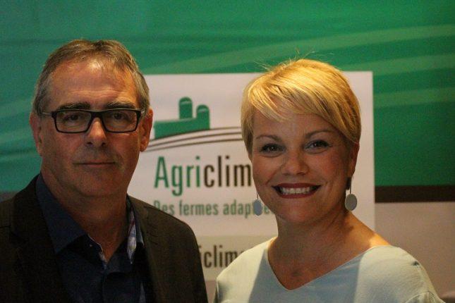 La ministre de l'Environnement, Isabelle Melançon, a rencontré le président de l'UPA, Marcel Groleau, le 9 juillet. Crédit photo : Thierry Larivière/TCN