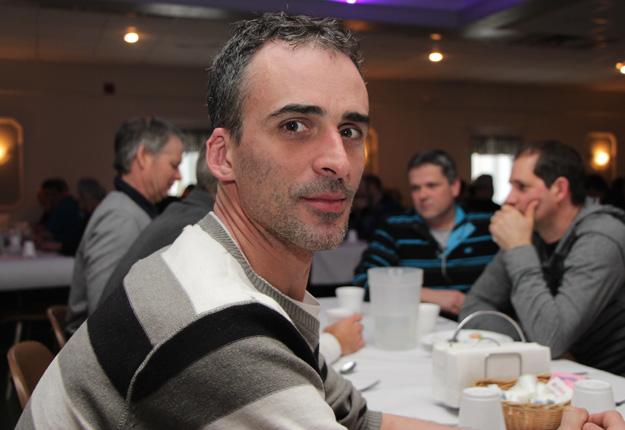 Le producteur de lait Martin Nichols, de Saint-Hyacinthe, entend bien bloquer une résolution qui vise à ce que le Parti conservateur change radicalement sa position sur la gestion de l'offre. Crédit photo : Archives/TCN