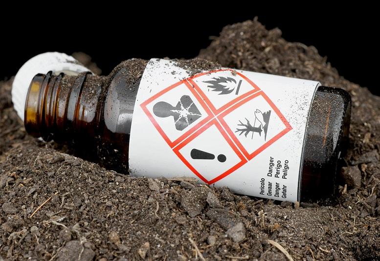 Des agriculteurs craignent le déversement de sols contaminés sur des terres qui, bien qu'elles n'appartiennent pas à des producteurs, pourraient être louées à des fins agricoles.
