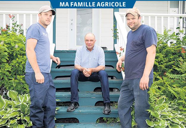 Le producteur laitier Alphé Pelletier travaille désormais pour ses garçons, Pascal et Charles-Étienne, qui ont pris la relève à la tête de la Ferme Pocatoise en 2008. Crédit photo : Photos : Maurice Gagnon
