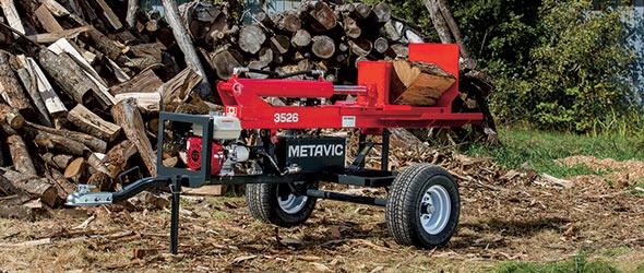 Pour fendre de 30 à 100cordes de bois par an,  Jonathan Gagnon recommande la Métavic3526.