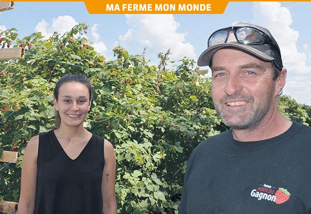 Selon David Lemire, l'embauche de Jasmine Sauvé comme gérante de ferme a permis de faire d'importants progrès dans la gestion des ressources humaines. Crédit photo : Pierre Saint-Yves