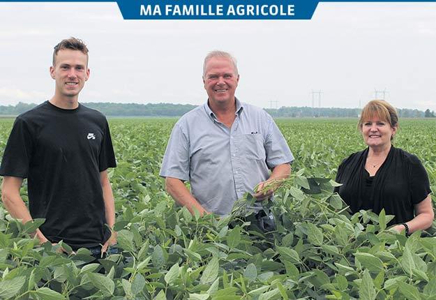 Depuis trois ans, la famille a commencé à cultiver du soya et de la semence de blé. Crédit photo : Photos : Rosalie Dion/TCN
