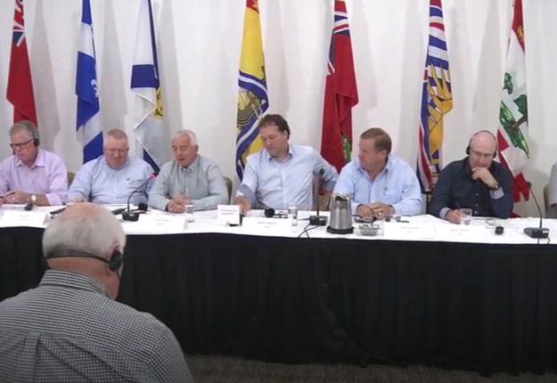 Les dirigeants des Producteurs laitiers du Canada et de leurs 10 organisations membres se sont réunis ce matin à Ottawa pour marteler l'importance de la gestion de l'offre.