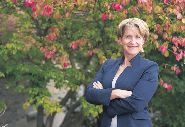 Anja Geitmann est professeure et doyenne de la Faculté des sciences de l'agriculture et de l'environnement à l'Université McGill et vice-principale adjointe au Campus Macdonald. Crédit photo : Tom DiSandolo