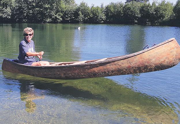 La maison de campagne de Louise Beaudoin est bordée d'un étang où elle aime se promener en canot. Crédit photo : Gracieuseté de Louise Beaudoin