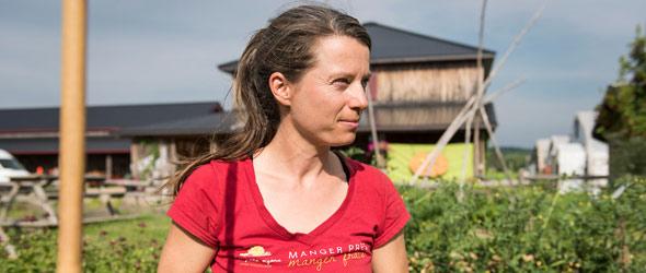 La répartition des tâches entre Véronique Bouchard et son conjoint s'est faite en fonction des intérêts de chacun. L'agricultrice a entre autres pris en charge les ressources humaines, la communication, les finances et la comptabilité.