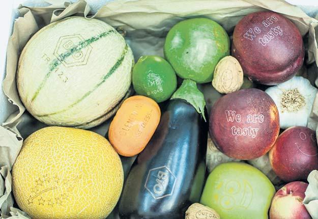 Les fruits et les légumes étiquetés au laser gagnent peu à peu les centres d'alimentation d'Europe. Crédit photo :Laser Food