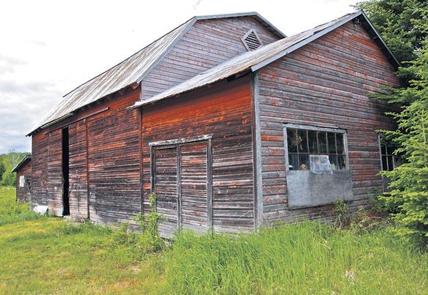 Un vieux bâtiment de ferme au Québec. Crédit photo : Guy Mayer